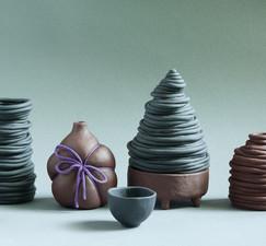 Svart och röd keramik