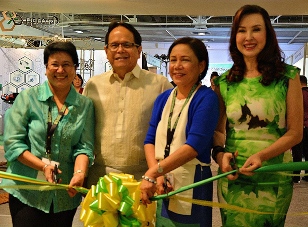 From left to right) Undersecretary Fredelita C. Guiza, PCA Administrator Romulo N. Arancon, Jr., Senator Cynthia Villar and Ms. Cory Quirino cut the ribbon to officially open the 29th National Coconut Week on August 27, 2015 at the Megatrade Hall 2, SM Megamall.(thanks to PCA for this photo)