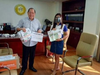 Turn over of Vegetable Seeds to Vice Gov Boy Quimpo of Aklan from Sen. Cynthia Villar