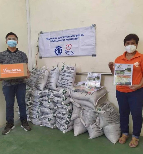 Turn over of seeds and organic fertilizers from VillarSIPAG composting facilities to TESDA RIZAL