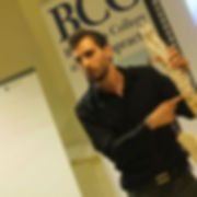 Dr. Aaron Burt, quiropráctico zaragoza