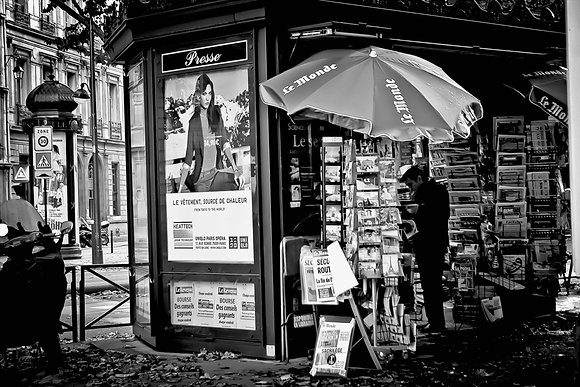Parisian news & magazine kiosk