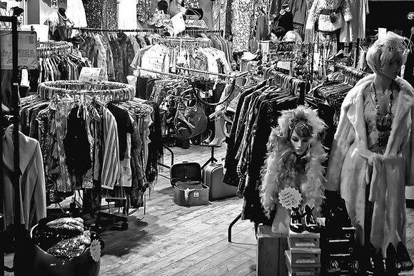 Vintage gals - Camden Stables Market