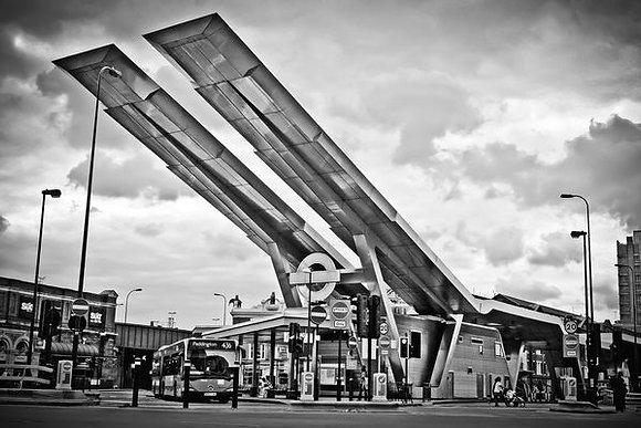 Vauxhall Cross Underground, bus & train stn