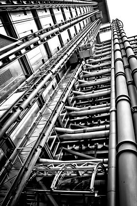 Lloyd's tower exterior (2) - Lime St London