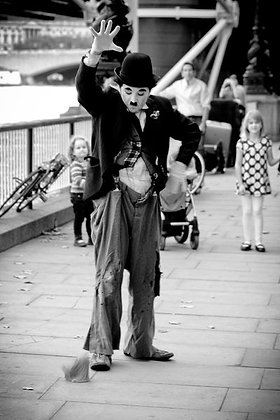Ball dropping Charlie - mime artist