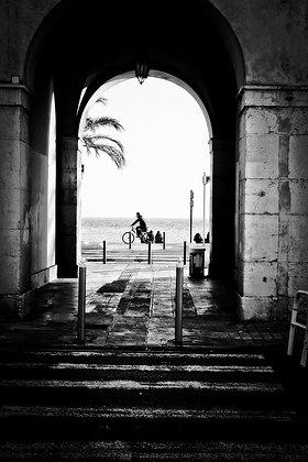 Cycling along the Promenade des Anglais - Nice