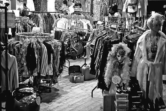 Vintage gals - after hours - Camden