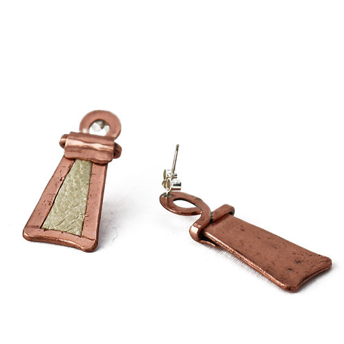 Elegant beige leather and copper trapezium earrings