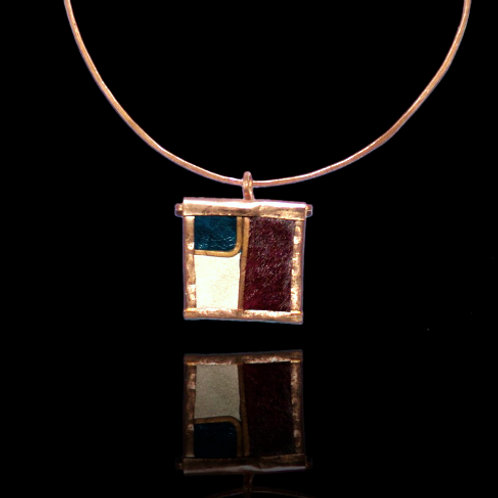 TOFFEE PENDANT AND NECKLACE