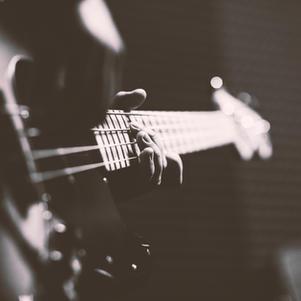 Bass/Yusuke Tuji