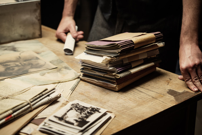 12.-Preparing_Papers_for_Burial_AnnaWloc
