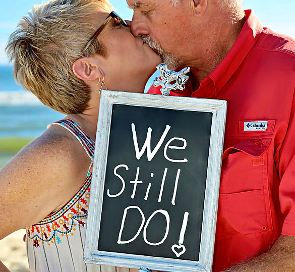 VOW-RENEWAL-BEACH50FB601B-5446-482D-B149