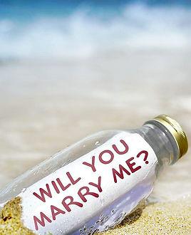 Beach-Proposal-Ideas-Message-In-A-Bottle