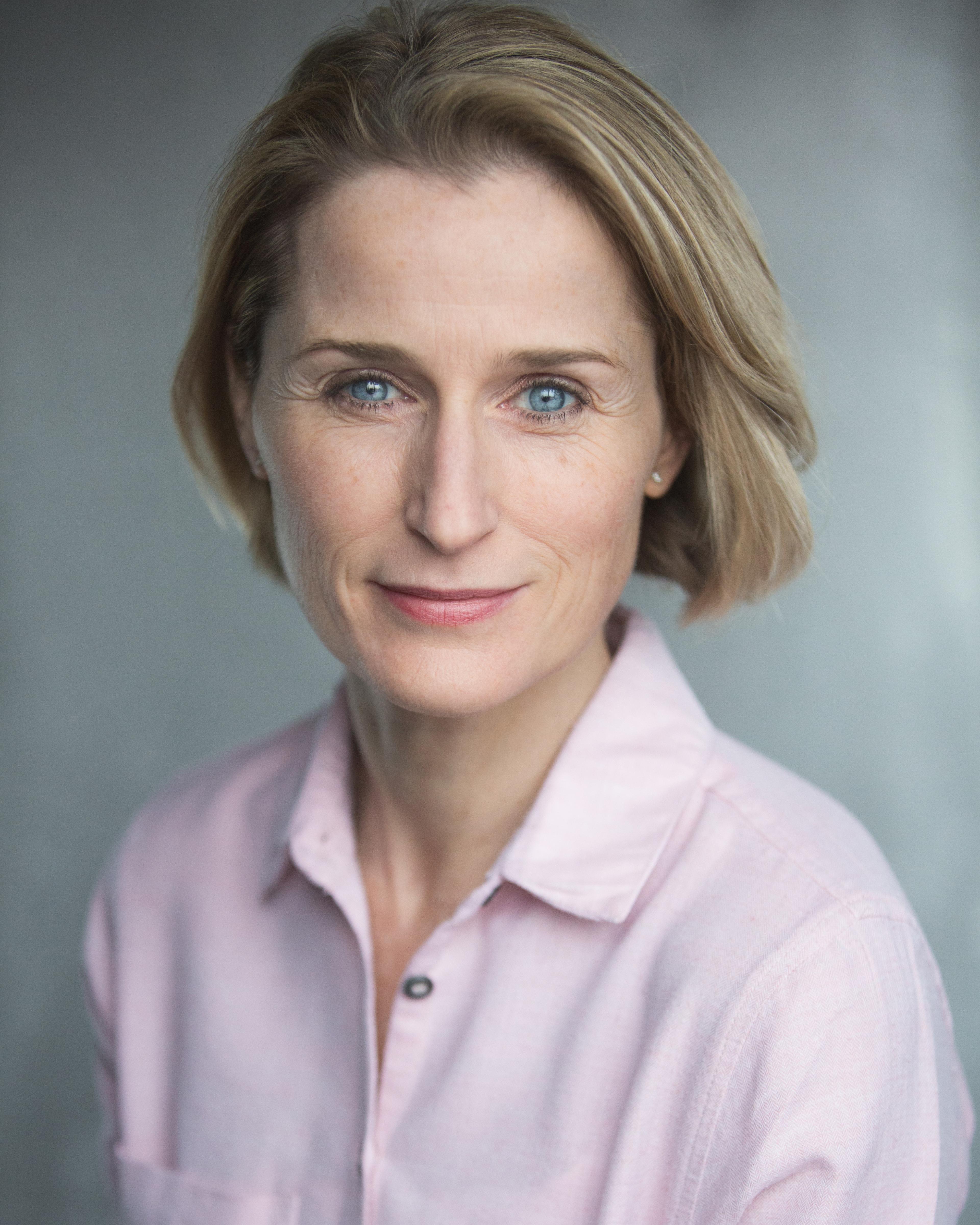 Isobel Raine