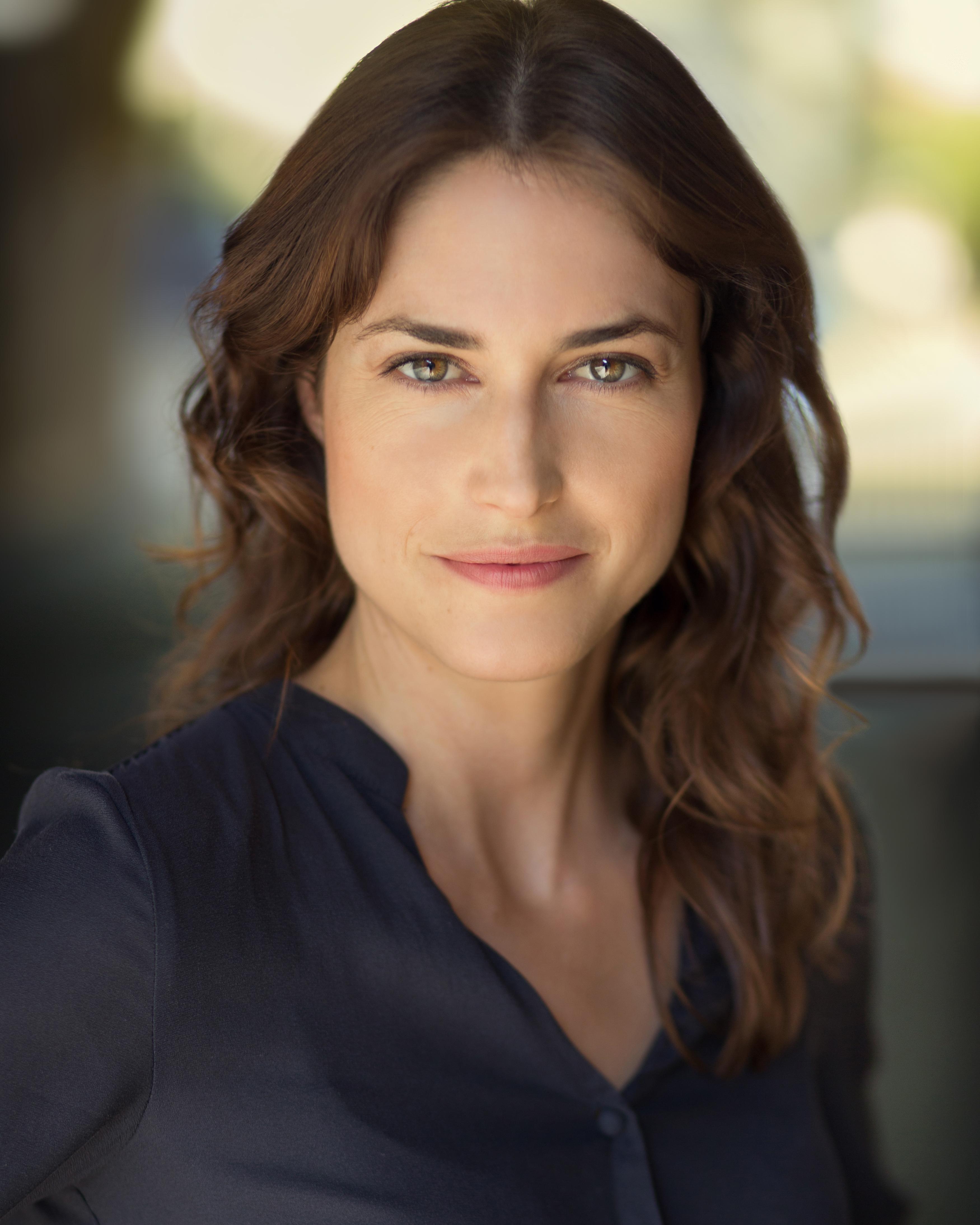 Jasmin DeClaire