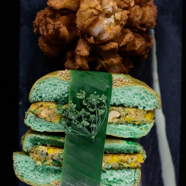 Food fotografie, vege burger - klient Tribe Hotel, Keňa