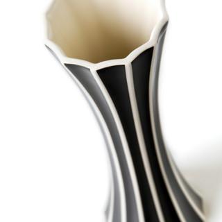 Produktová fotografie, kubistická váza - klient Deloitte