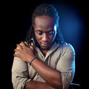 Portrétní fotografie - zpěvák Eddie Grey, Keňa