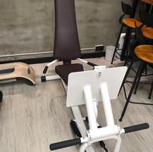 蹬腿訓練器 Leg press