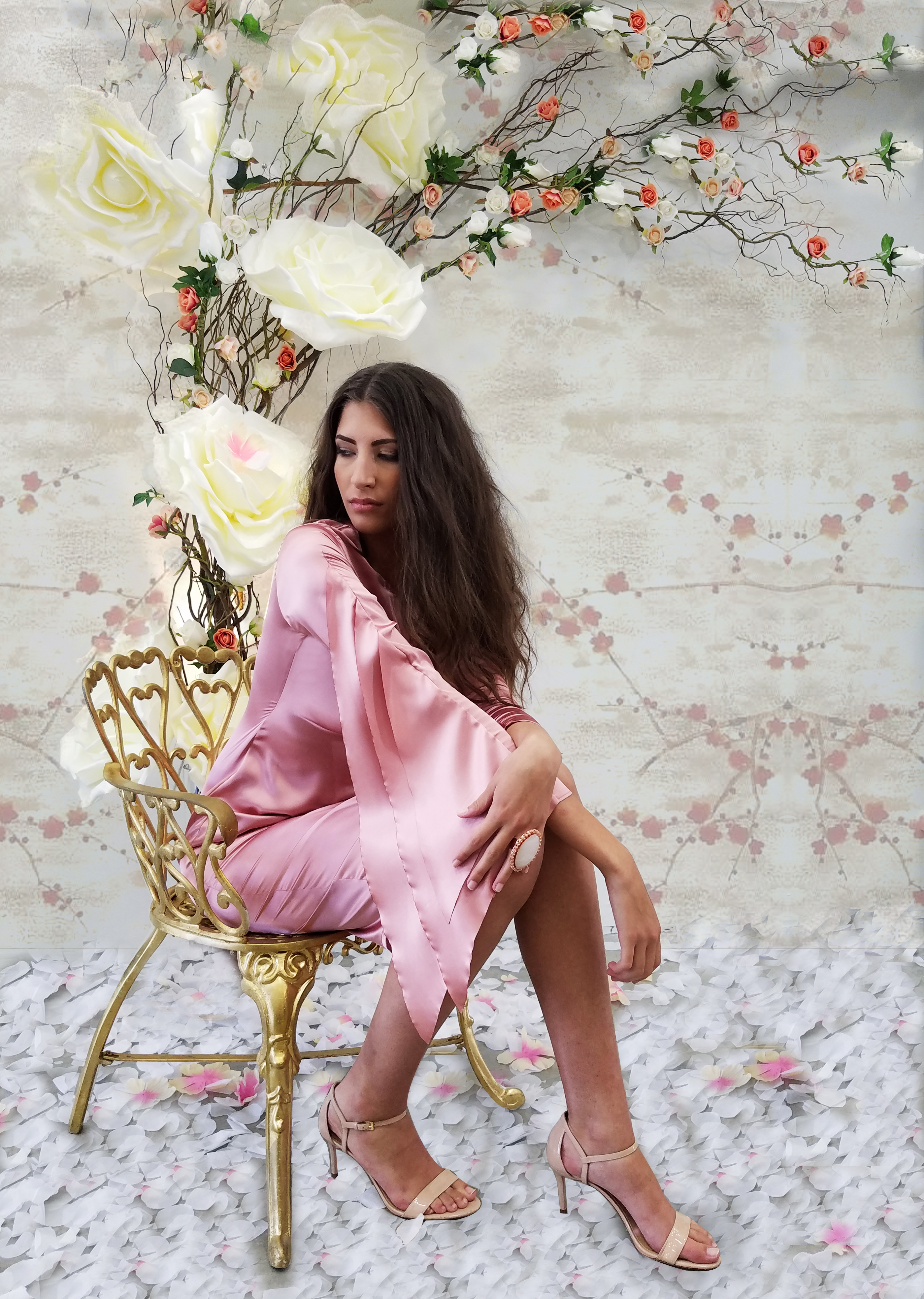 pink drees her