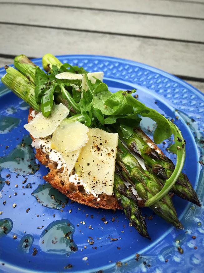 Roasted Asparagus Bruschetta