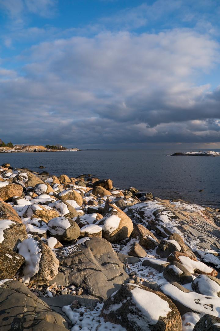Ensilumet rantakallioilla 4.11.2016