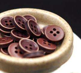 Resin-wooden-button.jpg