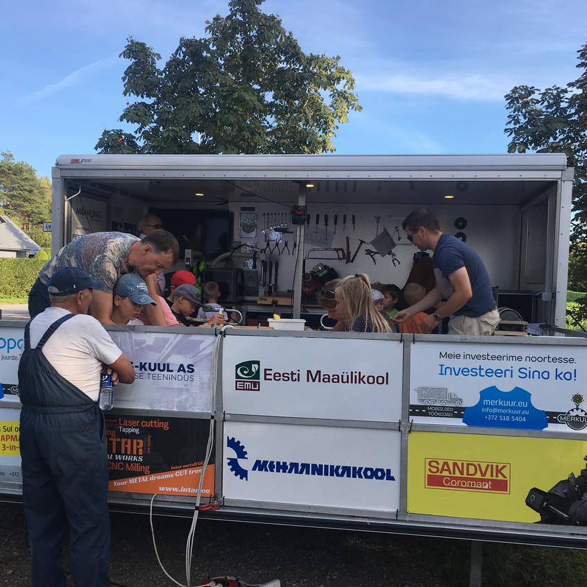 Mobile workshop