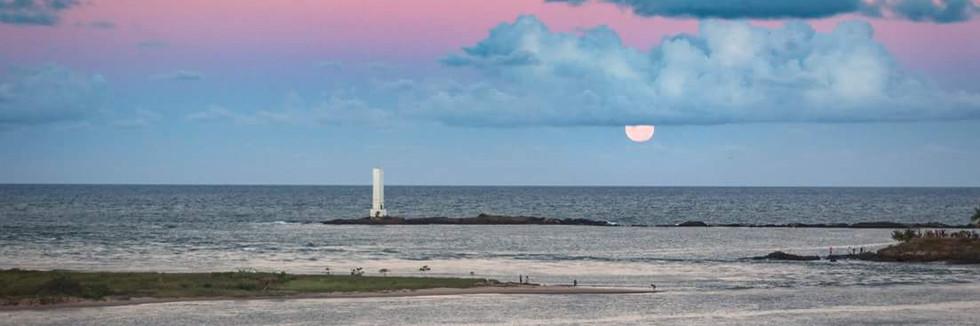 Nascer da Lua no Farol