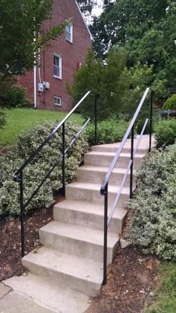 Stair rails w/ horizontal mid bar
