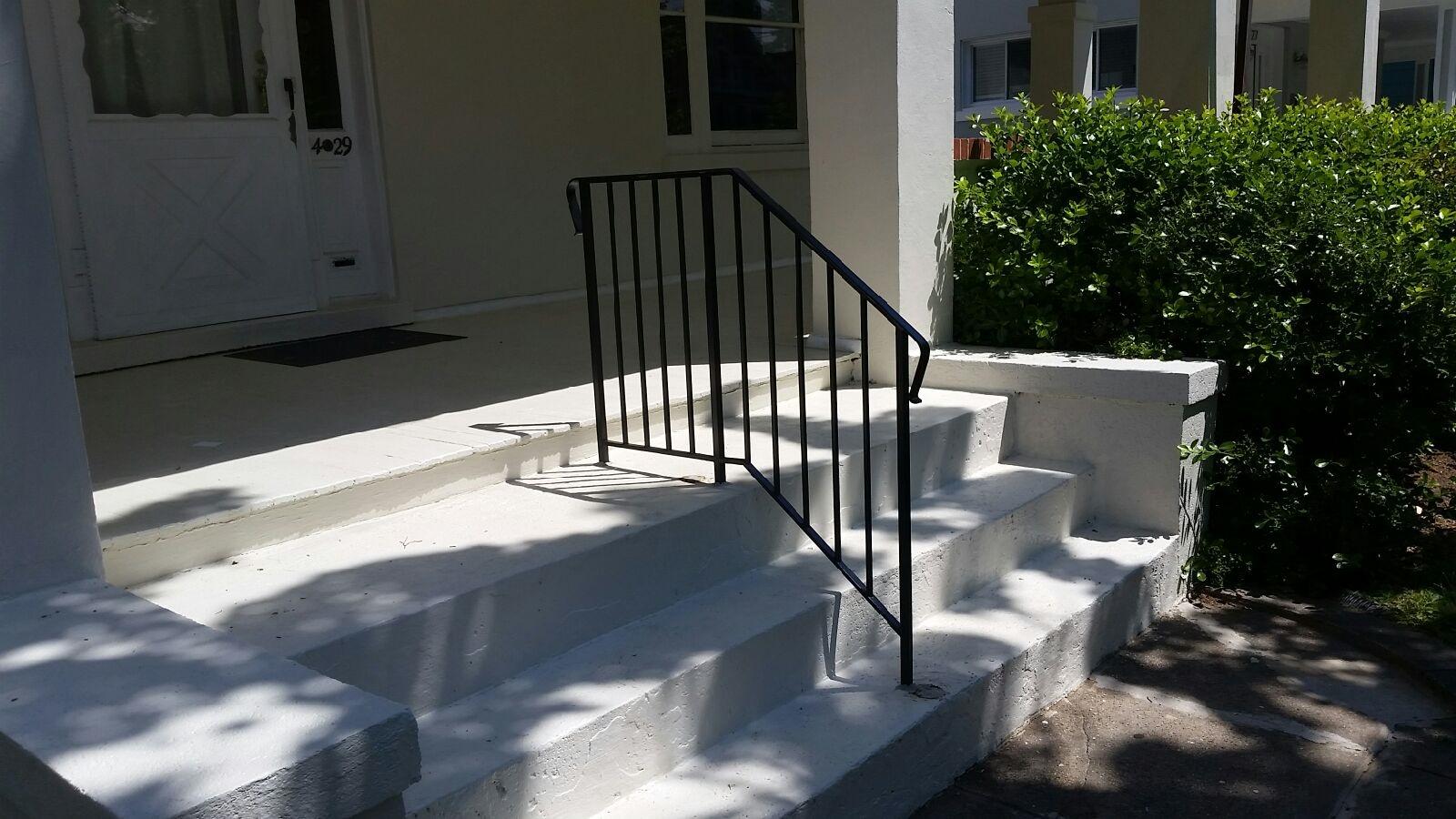 Center stair rail