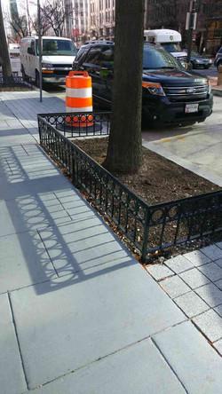 Tree fence w/ O rings & anti-sit bar