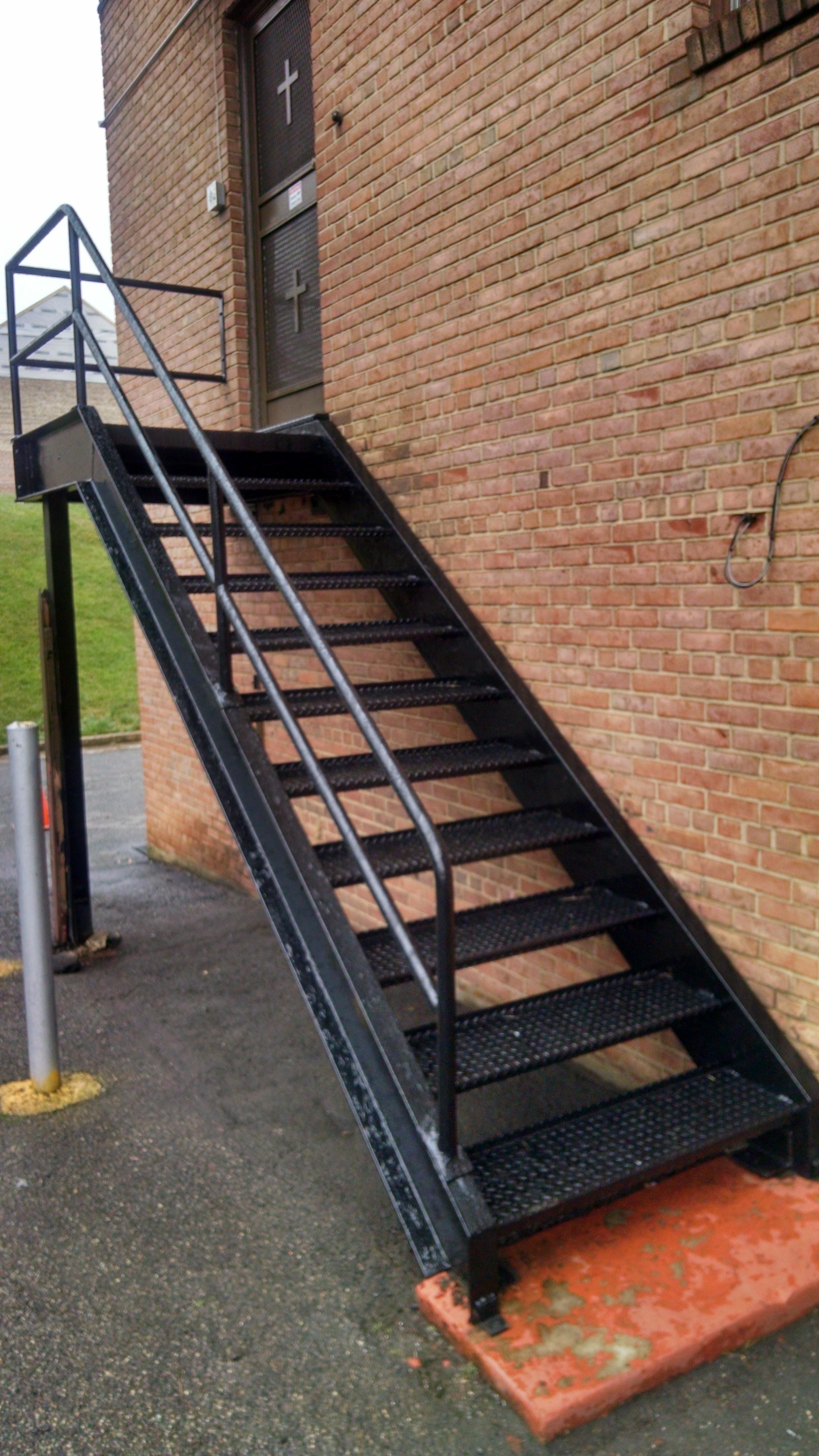 Platform & stairs