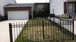 Fence with O rings & 3 winged sharp spears 2