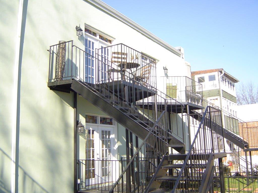 Multi-level staircase
