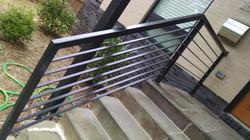 Rail with horizontal bars