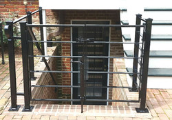 Gate with horizontal bars