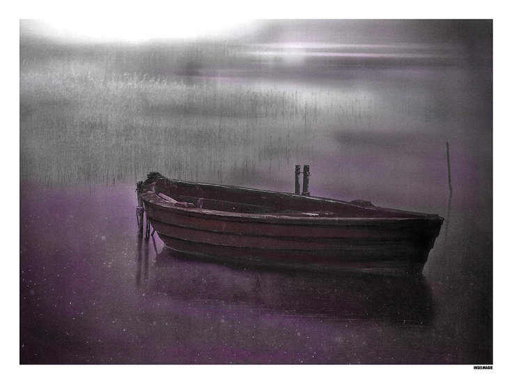 Nr.2 altes Boot im Nebel bei Nacht