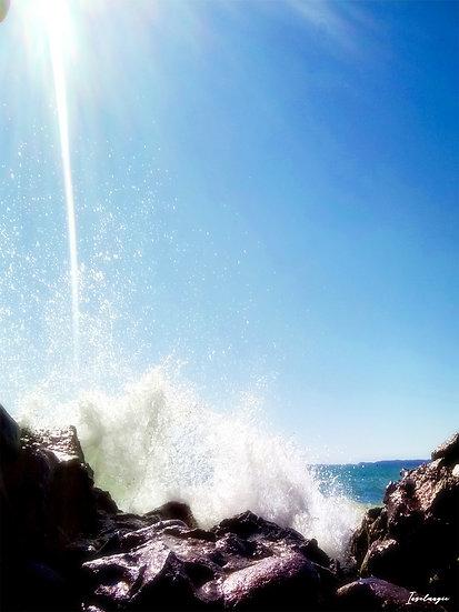 Nr.72 Wellen schlagen gegen die Reste der alten Hafenmauer in Dwasieden