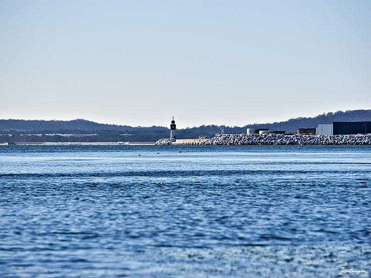 Nr.256 Blick von Sassnitz auf die Mole im Fährhafen Mukran im Winter