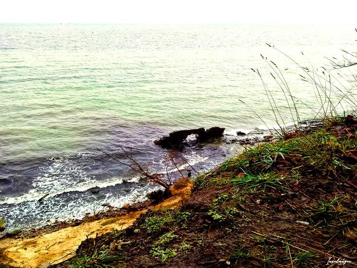 Nr.39 Blick von Dwasieden auf die stürmische Ostsee/Reste der alten Hafenmauer