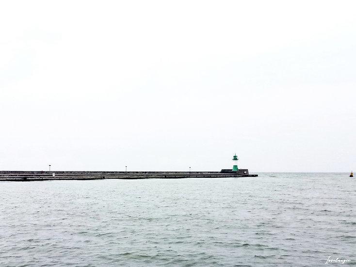 Nr.64 Blick auf die Ostmole und Leuchtturm im sassnitzer Hafen