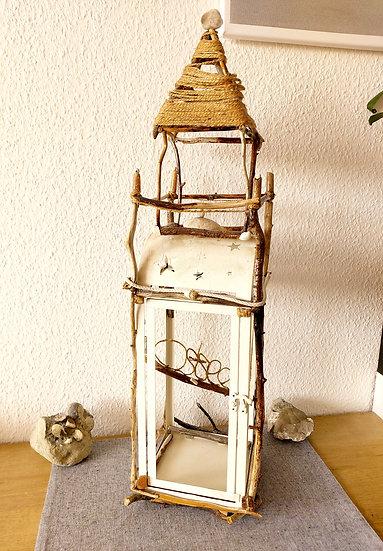 Leuchtturm aus Treibholz