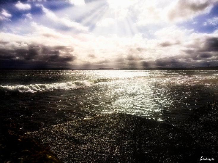 Nr.56 Blick  von der Steinpackung am Fährhafen Mukran auf die stürmische Ostsee