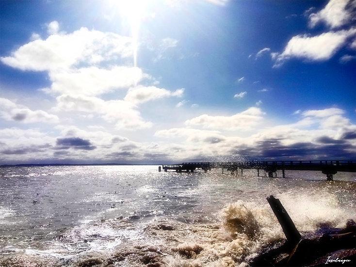 Nr.55 Blick auf die sassnitzer Seebrücke bei stürmischer See