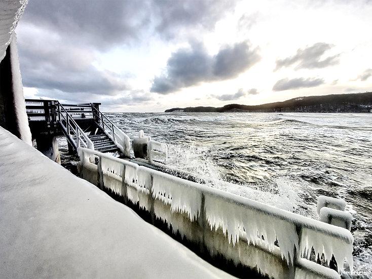 Nr.246 Blick von der Seebrücke in Binz bei stürmischer See im Winter