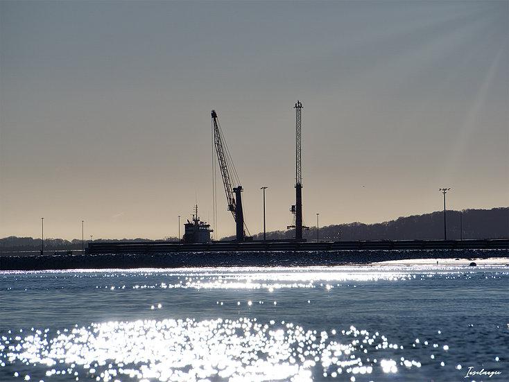 Nr.261 Blick von Sassnitz auf den Fährhafen Mukran im Winter