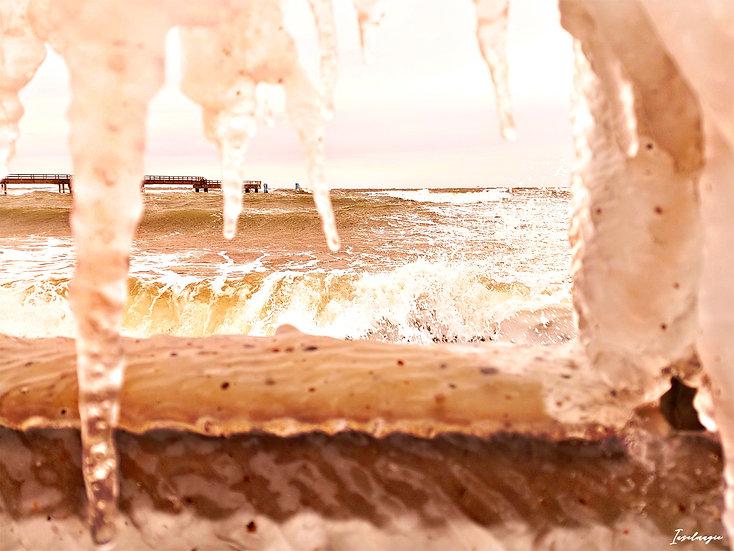 Nr.237 Blick auf die stürmische Ostsee und die sassnitzer Seebrücke im Winter