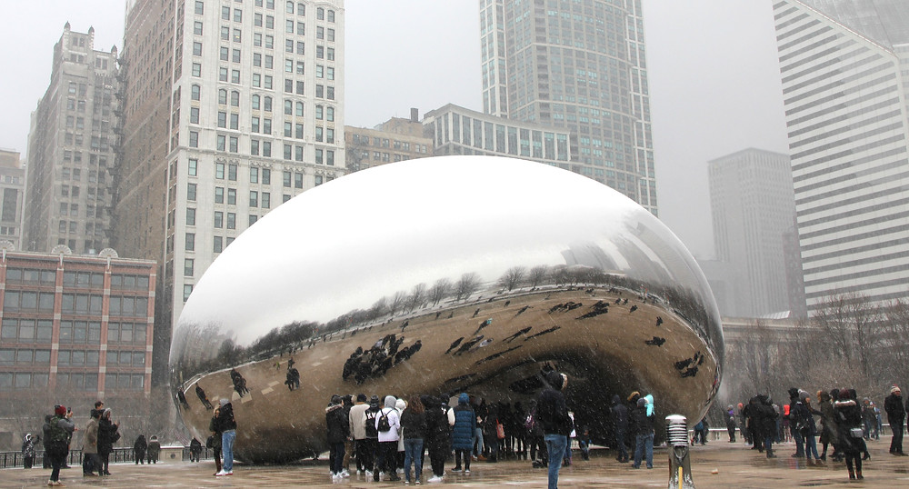 chicago bean cloud gate in the snow